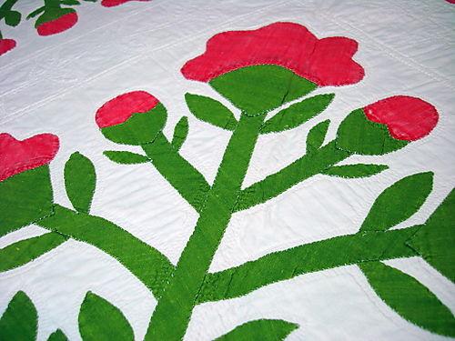 Red flower quilt2