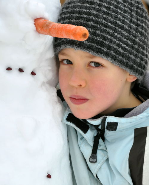 S with snowman