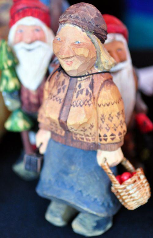 Wooden figures2