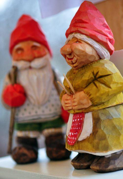 Wooden figures3