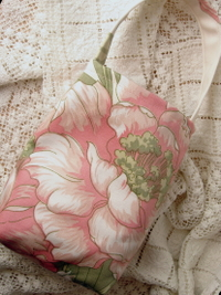 True_to_life_flower_bag_4