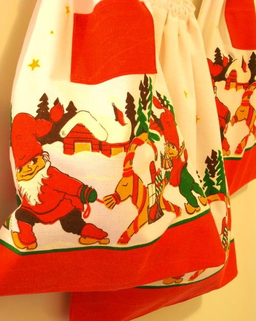Elf_giftbags_2