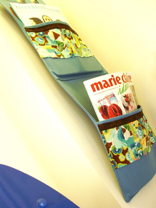 Magazine_holder