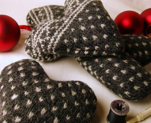 Sweater_hearts