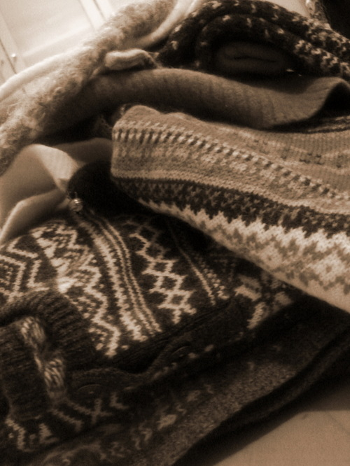 Pile_of_sweaters