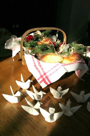 Basket_and_birds_2