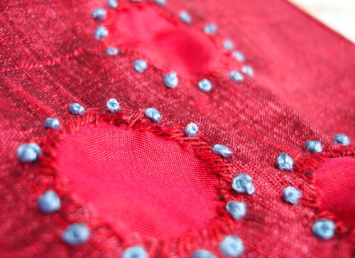 Reverse_applique_with_french_knot_2